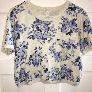 F21 Blue floral cropped pocket tee shirt